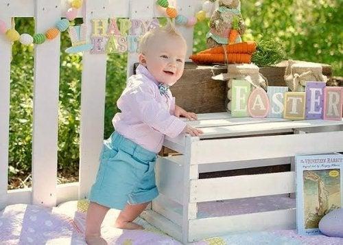 6 étapes que le bébé réussit au bout d'un an