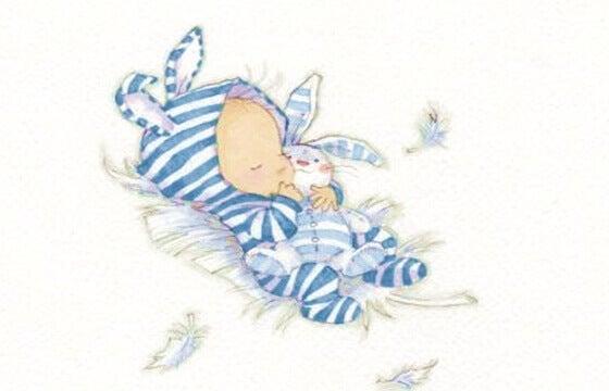 Les vêtements de bébé ont une symbolique très forte pour la maman
