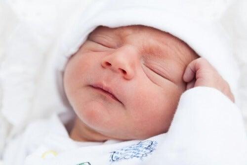 """5 raisons pour lesquelles votre bébé n""""arrive pas à dormir"""