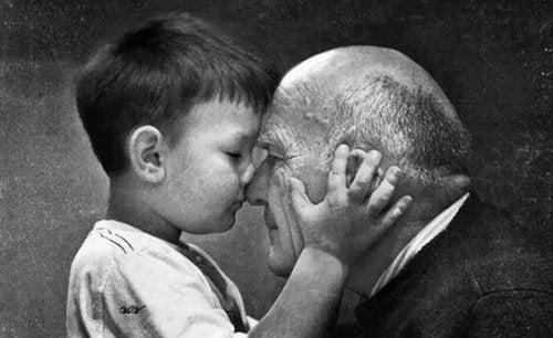 Les grands-parents ne meurent jamais, ils deviennent invisibles