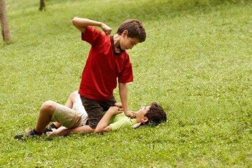 Soyez vigilants au bullying et à toute forme de violence chez les enfants