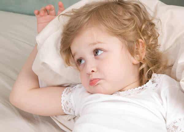 Pourquoi les enfants demandent de l'eau avant d'aller dormir ?