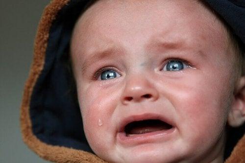 les bébés pleurer