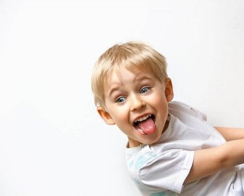 Enfant qui se comporte mal