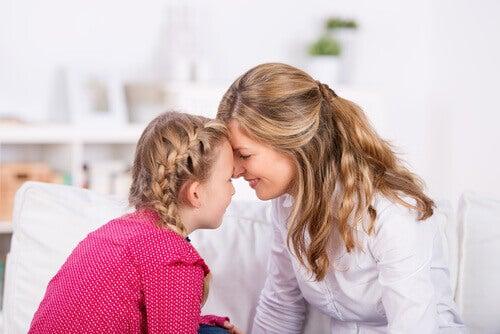Être mère d'une fille signifie avoir une complice pour toujours