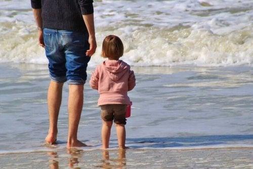 Affection, amour et développement : papa participe aussi
