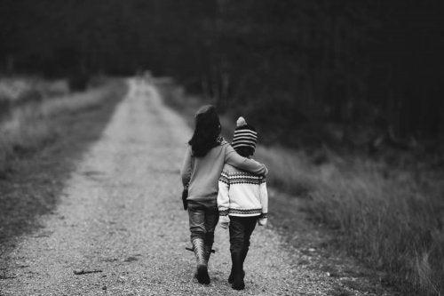 enfants qui marchent