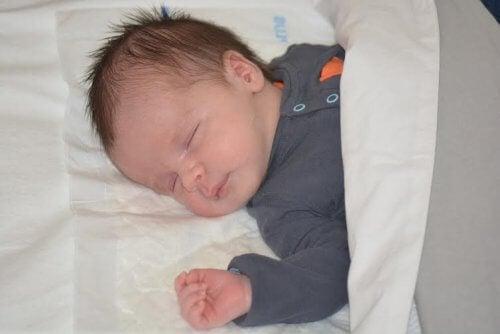 Les enfants grandissent pendant qu'ils dorment.