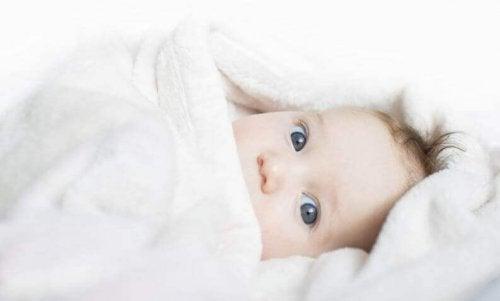 4 conseils pour garder un nouveau-né au chaud