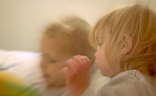 Votre enfant doit avoir le temps de trouver le sommeil.