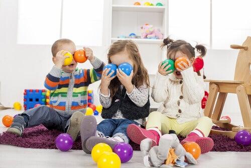 Avoir beaucoup de jouets peut faire que demain nos enfants soient capricieux et égoïstes.