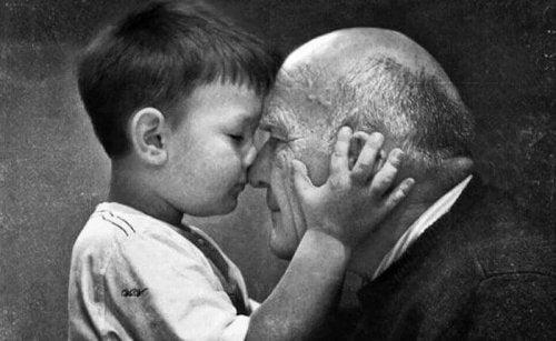 Mon grand-père : cet être aux cheveux argentés et au cœur en or