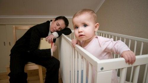 Pour que bébé fasse ses nuits, n'oubliez pas non plus les siestes