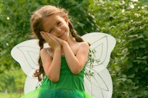 Même si elle n'a pas besoin d'être une princesse, elle peut jouer à en être une.