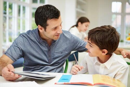 Privilégier la parole aux châtiments corporels aidera l'enfant à prendre confiance en lui