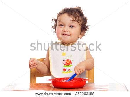 Certains aliments transformés sont à exclure du régime alimentaire des bébés