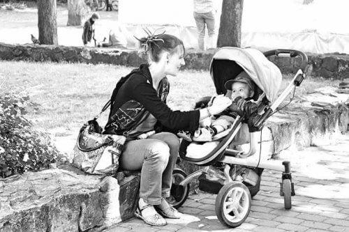 Une maman célibataire doit s'armer de patience pour éduquer ses enfants seule