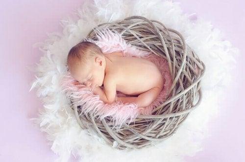Comprendre le sommeil du bébé de 4 à 6 mois