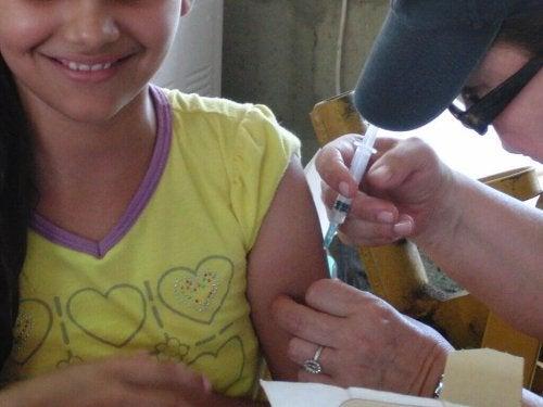 Le vaccin de la méningite B ne provoque que des gênes légères, pas de complications sévères