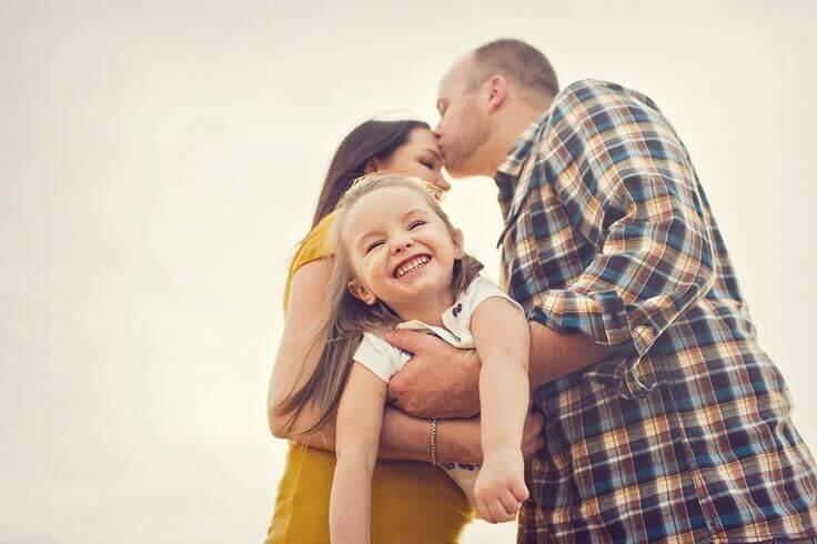 Passer du temps avec son partenaire, sortir entre amis et avoir une vie en dehors de la maternité nous aide à mieux vivre notre quotidien quand on est maman