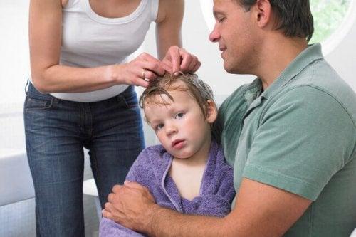 7 conseils pour éviter que votre enfant ait des poux
