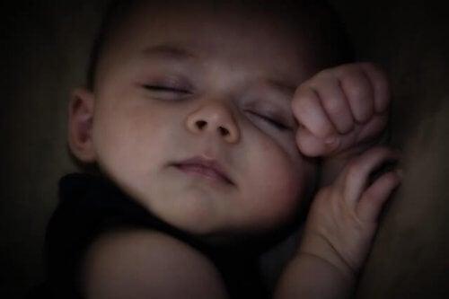 Les routines permettent d'éviter les troubles du sommeil chez l'enfant.