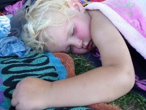 Les cauchemars peuvent causer des troubles du sommeil chez l'enfant.