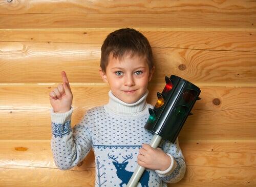 La technique du feu tricolore pour contrôler les émotions des enfants