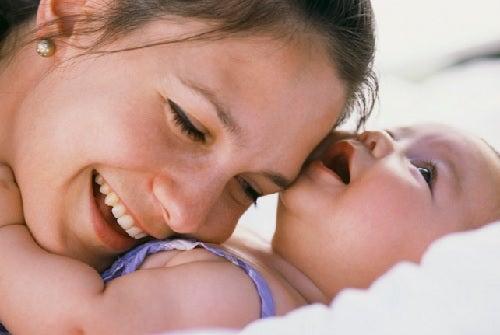 7 façons de montrer à votre enfant que vous l'aimez sans le dire