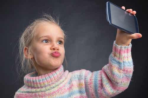 6 conseils pour éviter d'élever un enfant narcissique