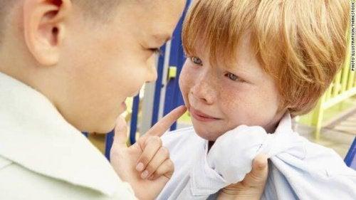 Les enfants ne sont pas tous armés pour affronter les moqueries.