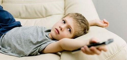 Les mauvaises habitudes les plus communes chez les jeunes enfants