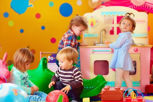 Les étapes du développement cognitif des enfants selon Piaget