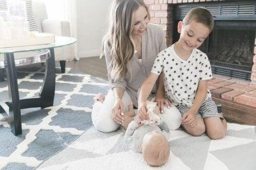 La maternité nous apprend à mieux gérer nos émotions.