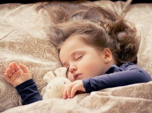 Nos conseils pour que votre enfant apprenne à dormir tout seul