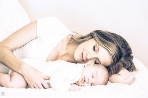 Aux yeux d'une mère, le temps ne passe pas, il vole.