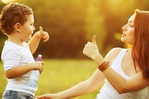 Les 8 meilleures phrases pour éduquer ses enfants avec amour