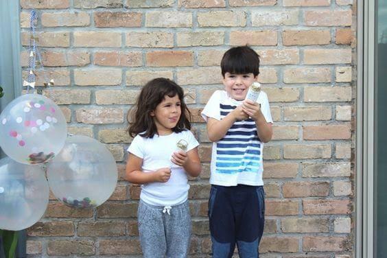 Le deuxième enfant peut se sentir moins important que l'aîné car il n'a pas reçu l'exclusivité de ses parents
