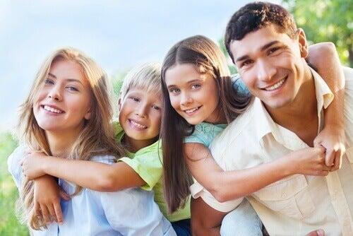 la politesse et la tolérance font partie des bonnes manières que tout enfant devraient connaître