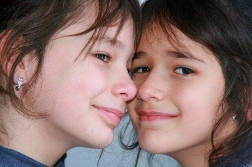 Vous partagez les plus beaux moments avec votre soeur