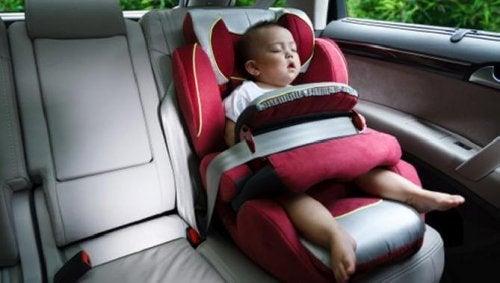 Ne regardez pas trop bébé pendant vos trajets