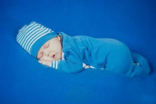 Ne pas utiliser d'oreiller avant les deux ans de l'enfant pour le faire dormir