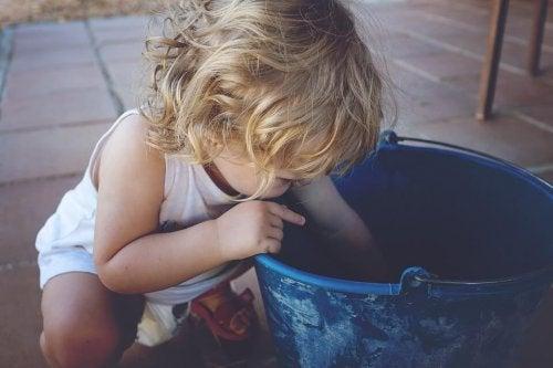Les enfants gauchers ont le droit de grandir dans la sérénité.