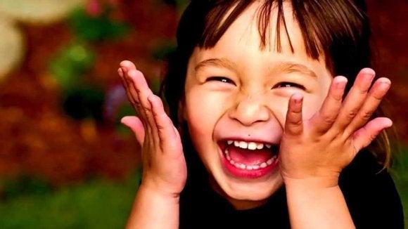 Le sens de l'humour crée des liens entre les êtres humains.