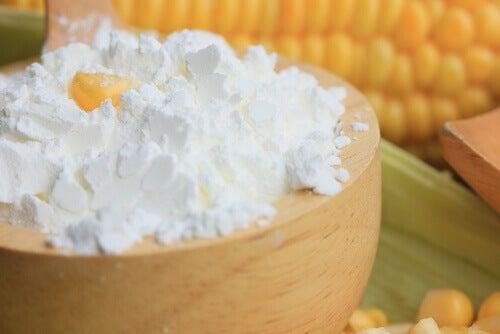 l'érythème cutané chez les bébés peut être atténué avec de la fécule de maïs