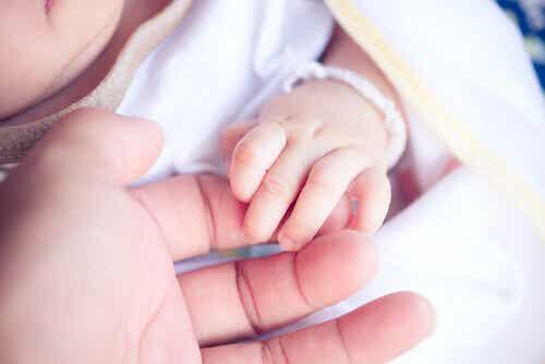 Comment l'absence de la mère affecte les enfants