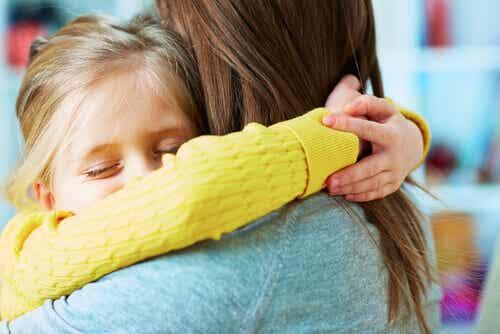 L'importance d'apprendre à vos enfants à pardonner afin qu'ils puissent être heureux