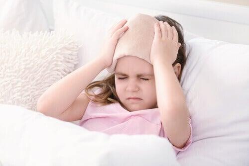 La migraine chez les enfants : causes, symptômes et traitements