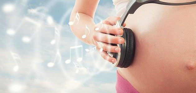 La stimulation prénatale aiguise les sens du bébé.