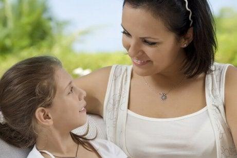 Les mères doivent apprendre à leurs filles à se faire respecter en tant que femme